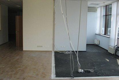 Частичное снятие покрытий в офисном помещении 45 м2