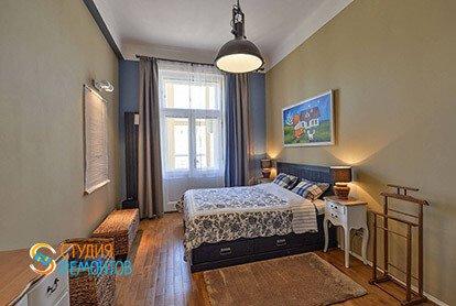 Дизайнерский ремонт спальни в двухкомнатной квартире 67 кв.м.