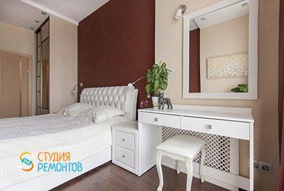 Дизайнерский ремонт спальни в трехкомнатной квартире 70 кв.м.