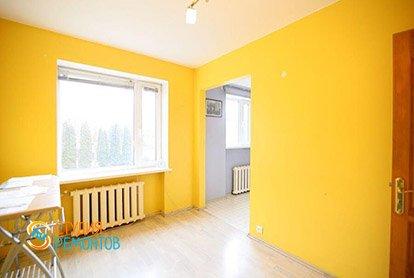 Косметический ремонт спальной зоны в маленькой студии 27 кв.м.