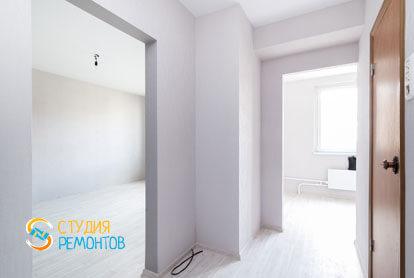 Чистовая отделка коридора в однокомнатной квартире 32 кв.м. фото-2