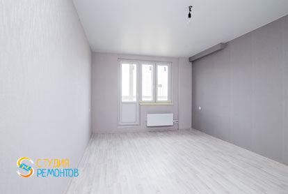 Чистовая отделка жилой комнаты в однокомнатной квартире 32 кв.м. фото-1
