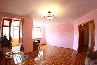 Евроремонт большой комнаты в 5-комнатной квартире 103 кв.м.
