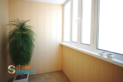 Отделка балкона пластиковыми панелями 3 кв.м.
