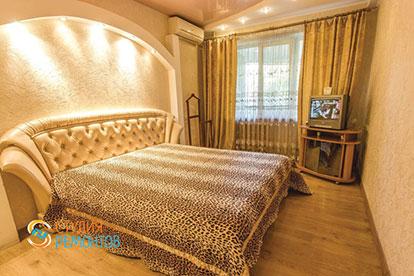 Дизайнерская отделка спальни 16 кв.м.