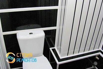 Отделка туалета панелями 2,2 кв.м.