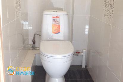 Отделка туалета плиткой 2 кв.м.