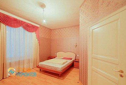 Пример ремонта спальни в четырехкомнатной квартире 93 м2