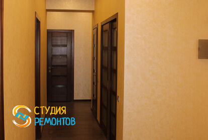 Капитальный ремонт коридора в трехкомнатной квартире 68,8 кв.м.
