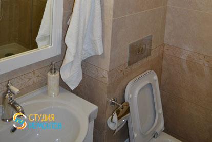 Ремонт санузла в классическом стиле в 1-к квартире 36 кв.м. фото-2