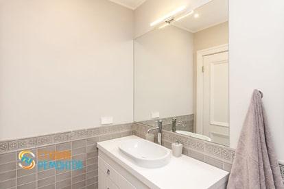 Евроремонт ванной в квартире 30 кв.м. фото 2