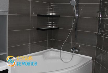 Евроремонт совмещенного санузла в квартире 80 кв.м. фото 1